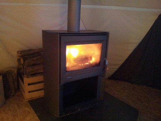 Whitepod : Le chauffage par poêle