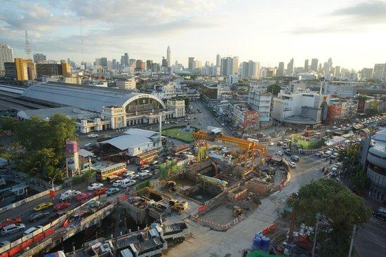 Centra Central Station Hotel Bangkok: ファランポーン駅前の工事現場