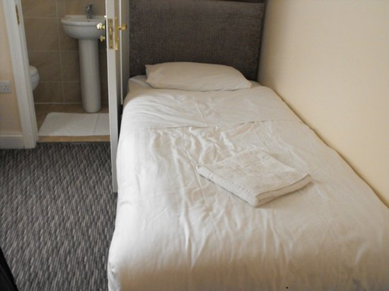 Pearl Hotel London: Nice and comfy bed