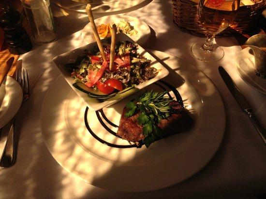 Thermalhotels & Walliser Alpentherme Leukerbad: Abendessen im Hotel Lindner