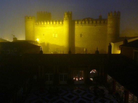 Hotel Huerta Honda: 夜、窓からの眺め