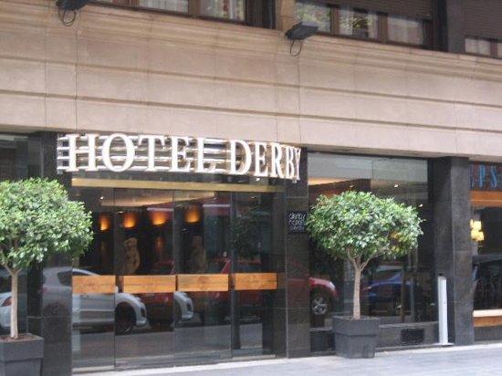 Hotel Derby: ホテルの入口
