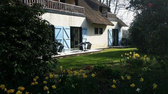 Le Petit Coq aux Champs: Une vue des chambres coté jardin