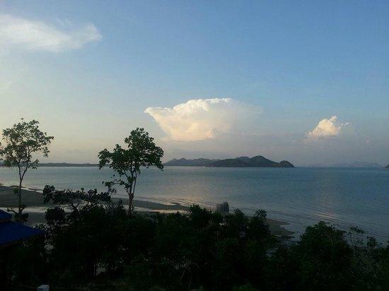 Esmeralda View Resort: before sunset