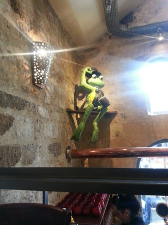 The Frog at Bercy Village: The Frog