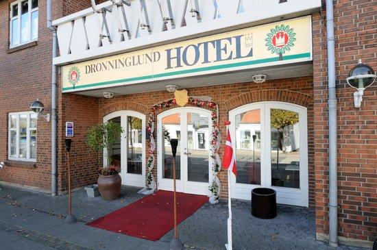 Dronninglund Hotel: Facade