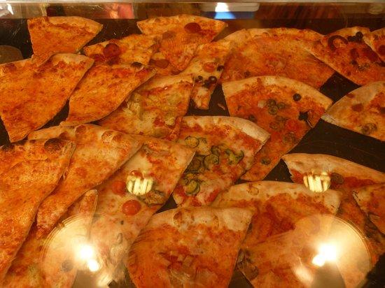 Hilton Garden Inn Venice Mestre San Giuliano: pizza, pizza, pizza...yes, it does taste better in Italy