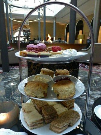 Steigenberger Grandhotel Handelshof: High Tea