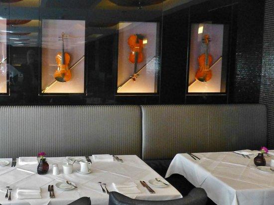 Steigenberger Grandhotel Handelshof: Deko im Restaurant