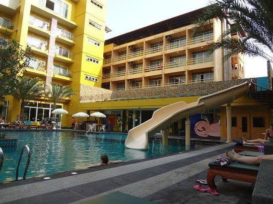 Grand Bella Hotel : hotel