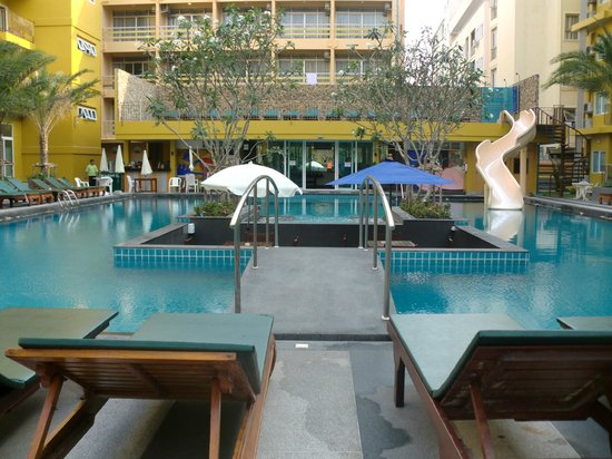 Grand Bella Hotel : pool