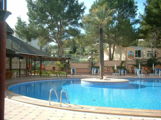 Cabau Aquasol: More of the pool