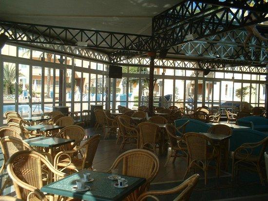 Cabau Aquasol: Entertainment area