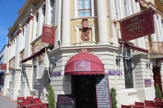The County Hotel Napier: Bar Entrance