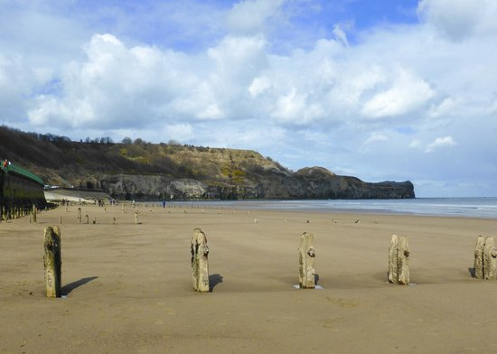 Whitby Beach: Looking towards Sandsend from Whitby