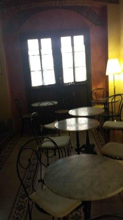 Antica Casa dei Rassicurati: sala colazione