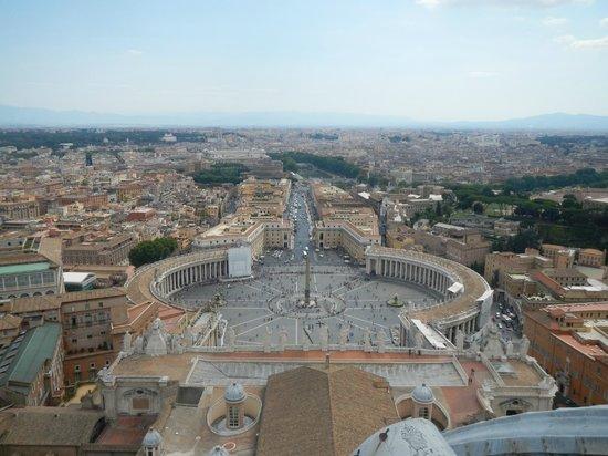 Vatican Guided Tours: Vatican walls