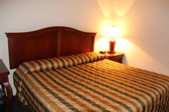 Hotel Pennsylvania New York: Кровать