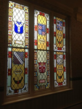 Royal Bath Hotel Spa: Stained glass window on the 2nd floor
