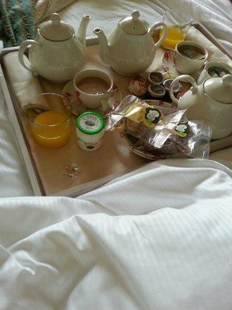 Les Etangs de Corot: petit déjeuner en chambre