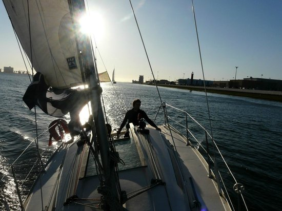 The Spot Portugal - Kite & Surf Camp: sailing in cascais