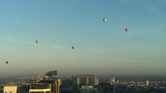Aria Hotel Apartments: Ballooning on a clear day