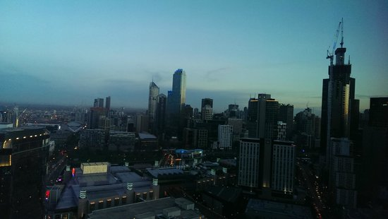 Aria Hotel Apartments: morning view of the city from the room
