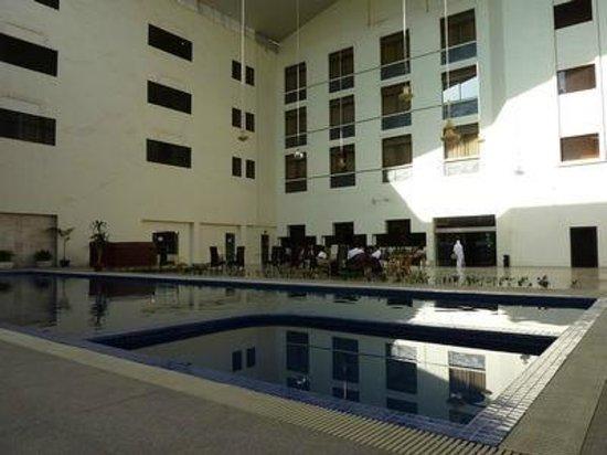 GGi Hotel: Swimming Pool