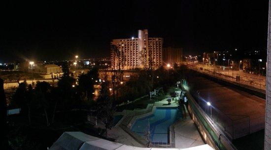 Jerusalem Gardens Hotel & Spa: Blick vom Balkon bei Nacht