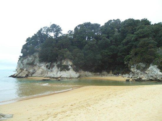 Kaiteriteri Beach: Sotto le nuvole