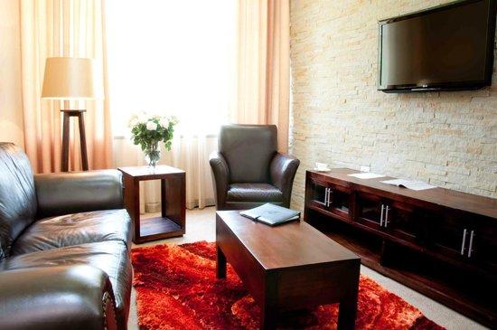 Badplaas A Forever Resort: Hotel Suite Lounge