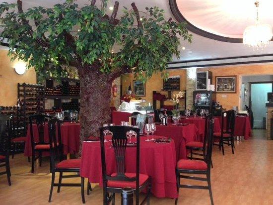 Restaurante casa castellana en fuengirola con cocina otras - Cocinas fuengirola ...