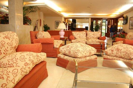 Masaru Apartments: Lobby