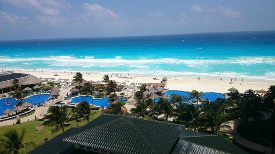 JW Marriott Cancun Resort & Spa: Vista del Caribe desde la habitación.