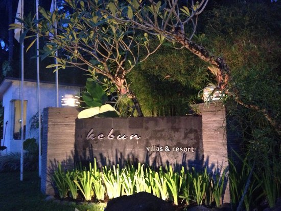 Kebun Villas & Resort: Entrance