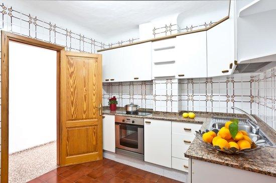 Apartamentos Bahia: Cocina