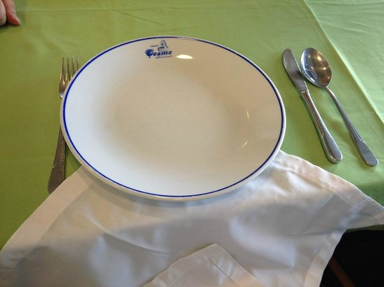 """Tarihi Cesme : Our waiter """"dressed"""" up the table (and our laps) with the napkin"""