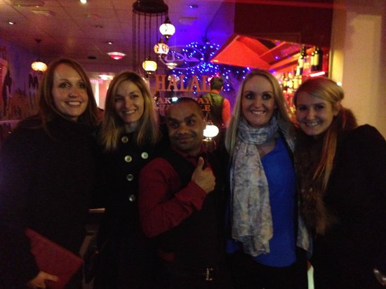 Lal Qila Indian Restaurant : A photo with our hilarious waiter