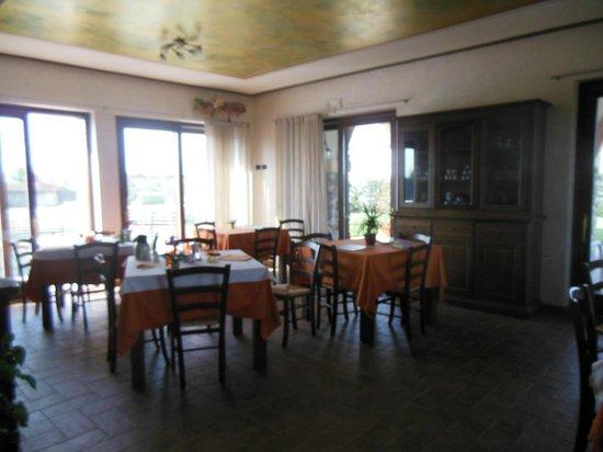 Agriturismo Bacche di Bosco : sala do café-da-manhã
