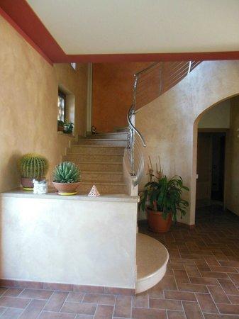 Agriturismo Bacche di Bosco : escada que leva aos apartamentos