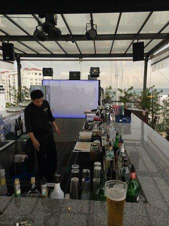 Bayview Hotel Georgetown Penang: Roof top bar