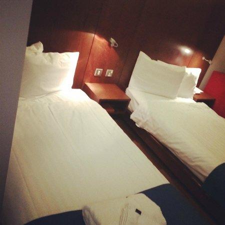 Park Inn by Radisson Birmingham Walsall: Twin Standard Room