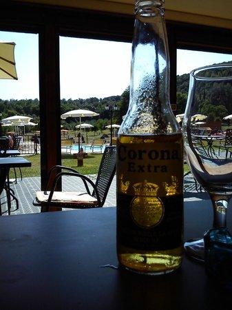Hotel Casolare le Terre Rosse: Bar na área de lazer