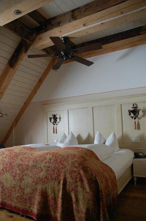 Grand Hotel Orphee: Großes Haus, Room B