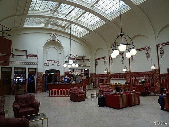 Rho Hotel: lobby