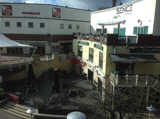 Hotel ibis Birmingham Centre New Street: 1st Floor overlooking bars/clubs