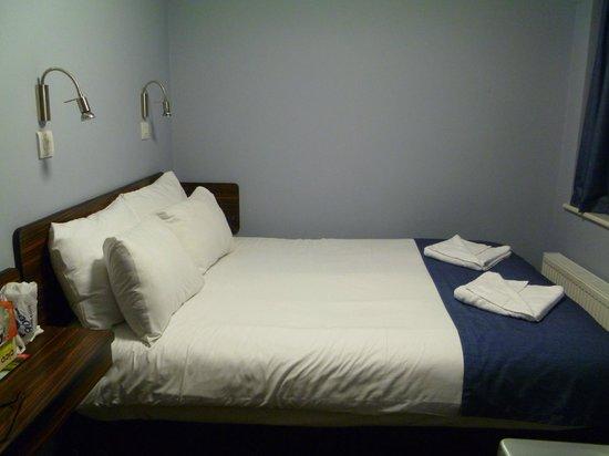 Angus Hotel: Room 107