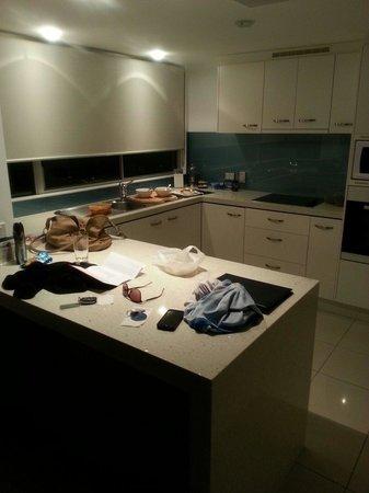 Coolum Seaside Resort: Nice big kitchen