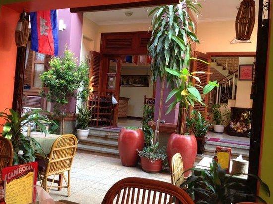Neth Socheata Hotel: Neth Socheata (Front)