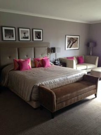 Foxhills: Room 39